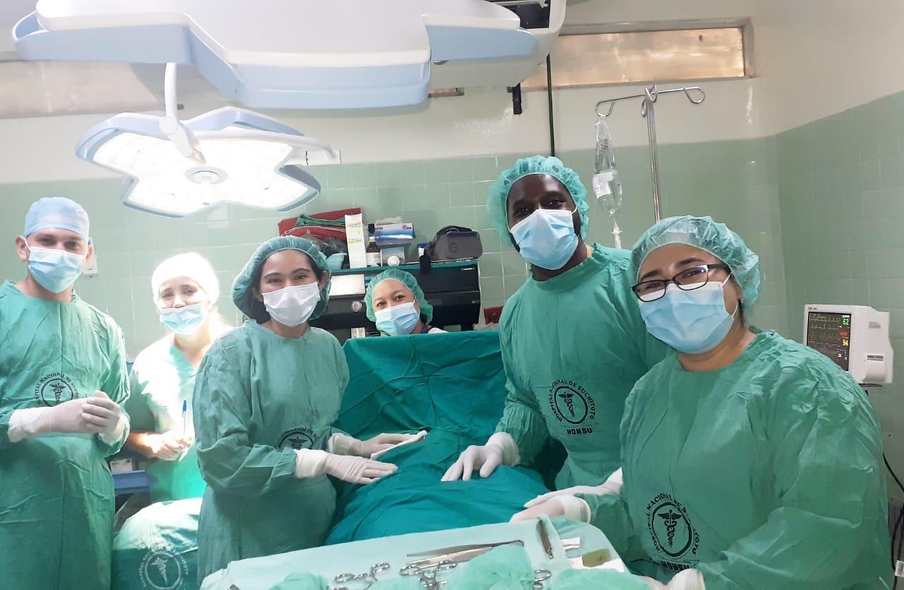 IU Med Students with Salvadoran Doctors - CoCoDA